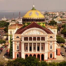 Teatro Amazonas visto de cima (horiz.)