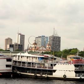Barcas no Porto de Manaus