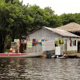 Habitação de comunidade ribeirinha