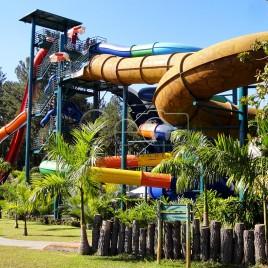Parque Aquático com águas aquecidas