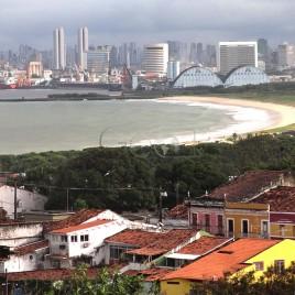 Olinda e Recife ao fundo