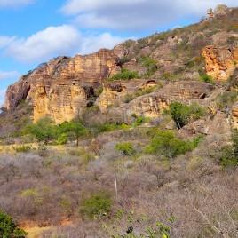 Arenito e Caatinga na Serra da Capivara