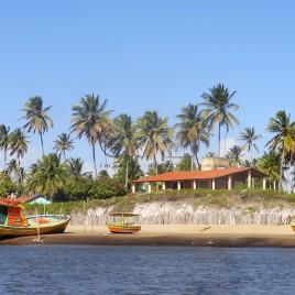 Coqueiros, Barco e casa