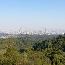 Serra da Cantareira com São Paulo ao fundo