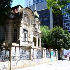 Casa antiga na Av. Paulista