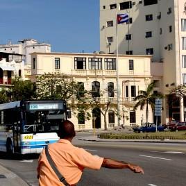 Ponto de ônibus – Havana (Cuba)