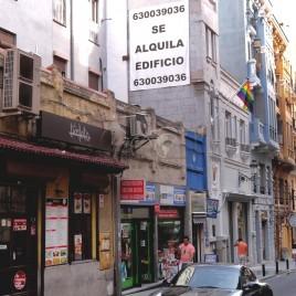 Placa de aluguel em prédio – Madrid
