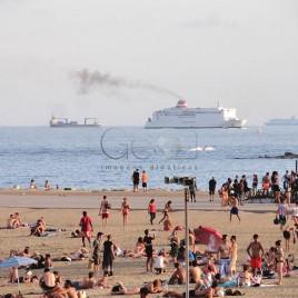 Praia com navios – Barcelona (Espanha)