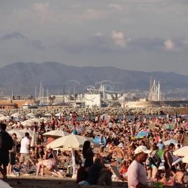 Praia lotada – Barcelona (Espanha)