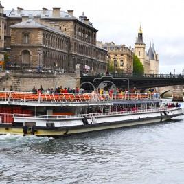 Navegação no Rio Sena