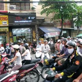 Motociclistas em Ho Chi Minh