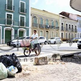 Lixo no centro histórico – São Luís (MA)