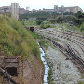 Linha férrea para transporte de minérios