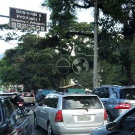 Trânsito na entrada da Cidade