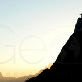 Corcovado e Estátua do Cristo ao entardecer