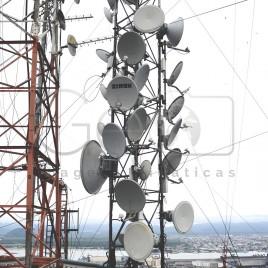 Antenas no alto da Monte Serrat – Santos (SP)