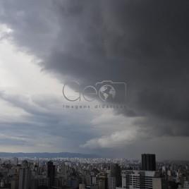 Nuvens de Tempestade – São Paulo