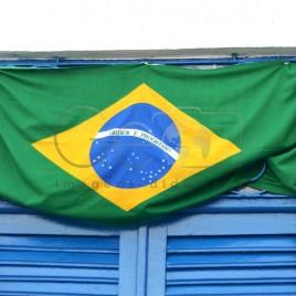 Janela com bandeira do Brasil – Olinda, PE