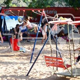Crianças brincando no Parque Taquaral