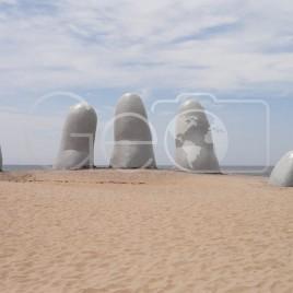 Escultura La Mano – Punta del Este