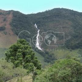 Morro com cachoeira – Bocaina de Minas (MG)