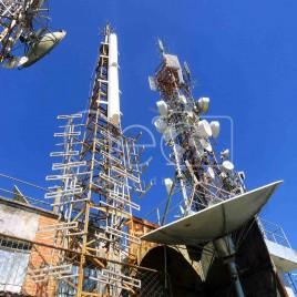 Antenas no pico da Ibituruna (MG)