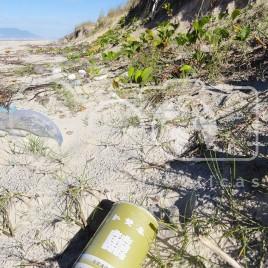 Lixo na Praia – Ilha Comprida (SP)