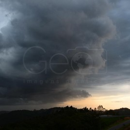 Nuvens de Chuva – Mairiporã (SP)