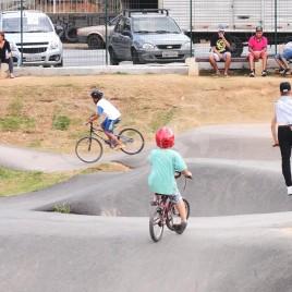 Jovens em Pista de Pump Track – Mairiporã