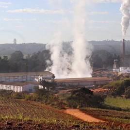 Usina de Cana-de-açucar e etanol em MG