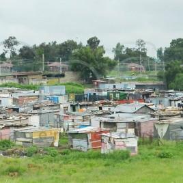 Moradias precárias em Soweto